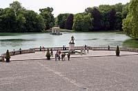http://baranovna.narod.ru/France2005/12.Fontain/I12XX016s.jpg